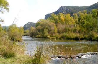 """Die """"VErdon"""" im Hintergrund sieht man die provenzalische Landschaft"""